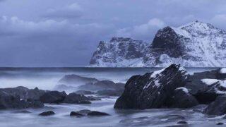 冬にも海に入ることが、サーフィン上達の基本中の基本!