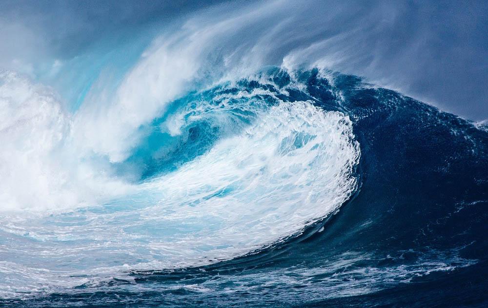 波をしっかり見極めなければ、サーフィン上達どころではない